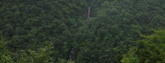 三階の滝 is one of 日本の滝百選.