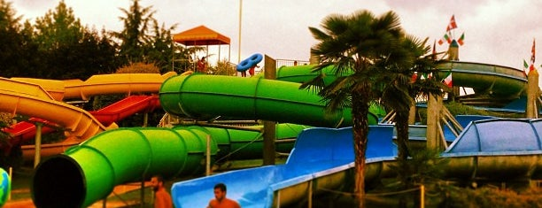Piscina Jolly Club is one of sport & beach.