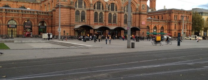 Bremen Hauptbahnhof is one of DB ICE-Bahnhöfe.