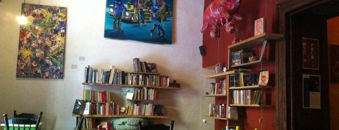 El Lechón Ilustrado is one of cafés.