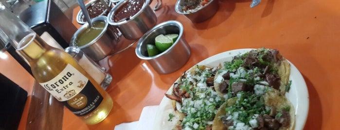 Los Sarapes is one of Las mejores taquerías de Guadalajara.