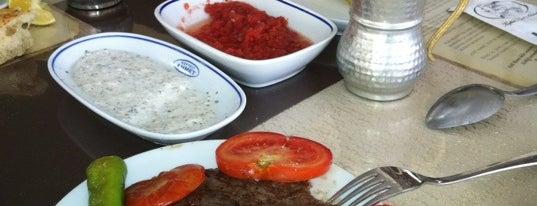 Köfteci (Kirli) Ahmet is one of istanbulda arka sokak lezzetleri.