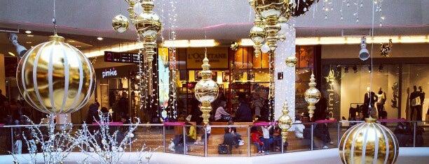 Centre Commercial La Part-Dieu is one of Favoris.