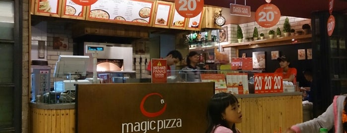 Magic Pizza is one of Food Spots @Bandung.