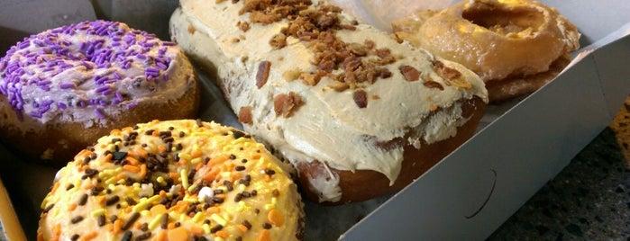 Peterson's Donut Corner is one of ESSDEE.