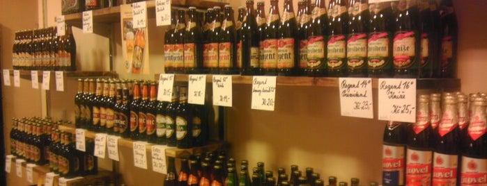 Pivo a párek is one of Pivotéky v Česku (pivnirecenze.cz).