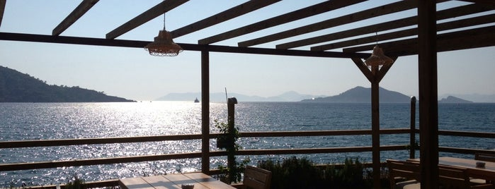 Ada Restaurant & Beach Club Sovalye Adasi is one of Fethiye.