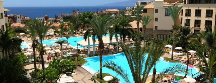 Costa Adeje Gran Hotel is one of Hoteles.