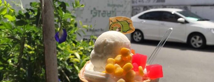 Mama-Miya Coconut Ice Cream is one of Cafe spot.
