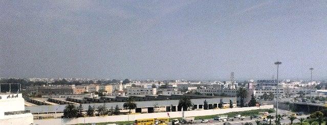 Ministère de l'Environnement et du Développement Durable is one of les Ministères.