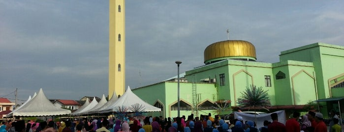Masjid Al Falah Kampung Idaman is one of Baitullah : Masjid & Surau.