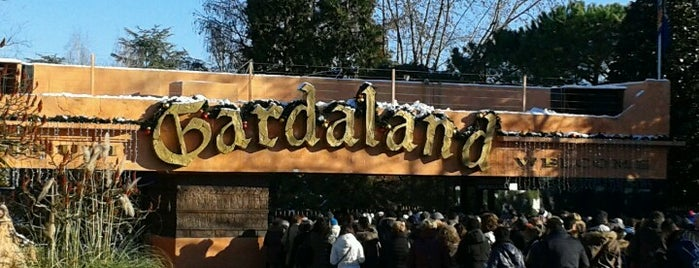 Gardaland is one of contatti utili.