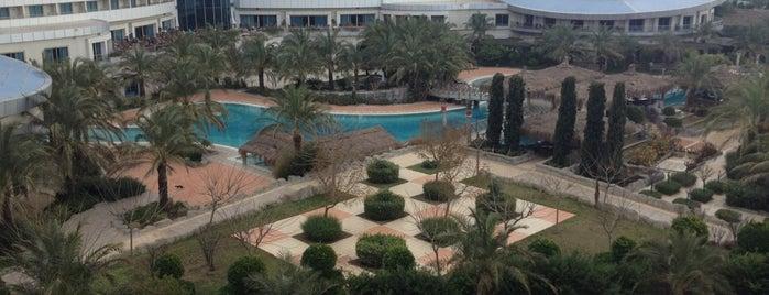 Sherwood Breezes Resort Hotel is one of Turkiye Hotels.