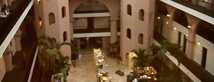 Embassy Suites by Hilton Charleston Historic District is one of Charleston, SC.