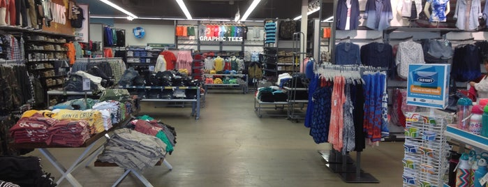 Old Navy is one of Locations Discovered.