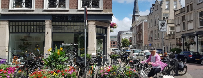La Mano Maestra is one of Nice in The Hague.