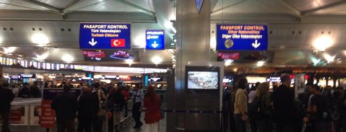 Pasaport Kontrol is one of atatürk havalimani hava ve kara tarafı.