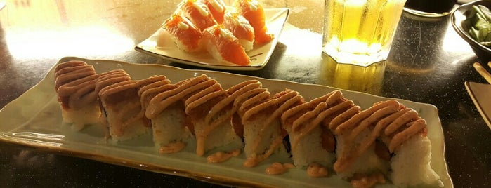 Standing Sushi Bar is one of Try to visit'em!.