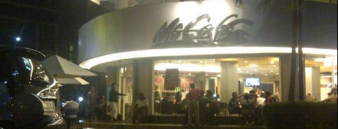 McDonald's / McCafé is one of Must-visit Food in Surabaya.