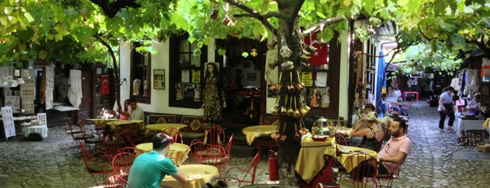Boncuk Arasta Kahvesi is one of Restaurants, Cafes, Lounges and Bistros.
