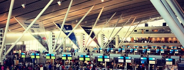 Cape Town International Airport (CPT) is one of Airports.