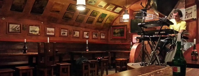 Stary Port is one of Krakow-pub.