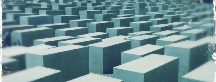 Monumento a los judíos de Europa asesinados is one of Berlin.