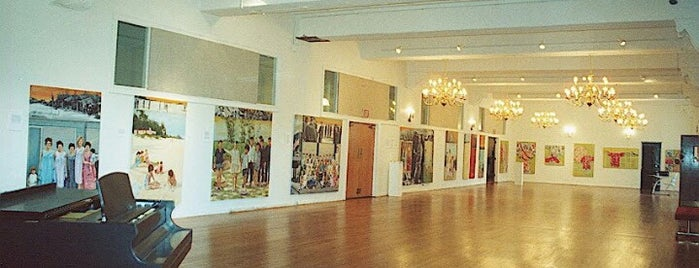 Sage Gallery is one of PA Retail Polka.