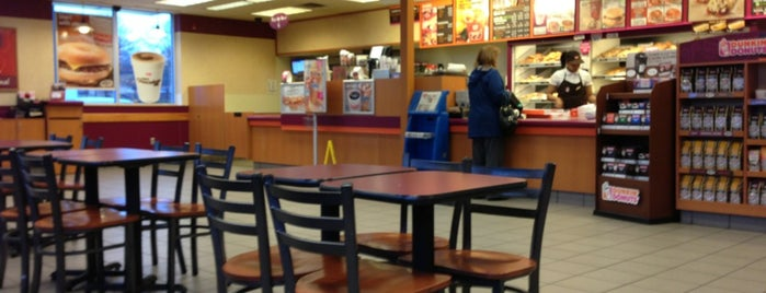 Dunkin' Donuts is one of Been there / &0r Go there.