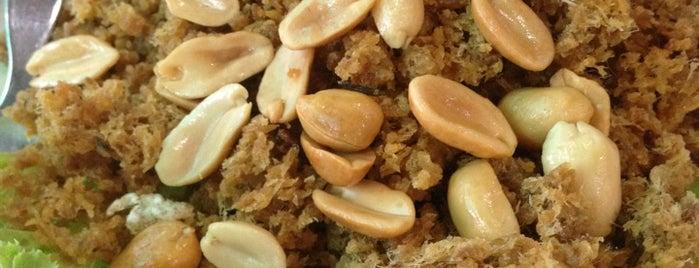 Mhuan Fun is one of Favorite Food.