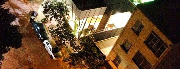 Pinheiros is one of São Paulo ABC, Bares/Cafés, Restaurantes Shoppings.