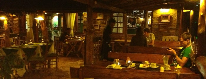 Jasy Hotel & Restaurant is one of Foz.