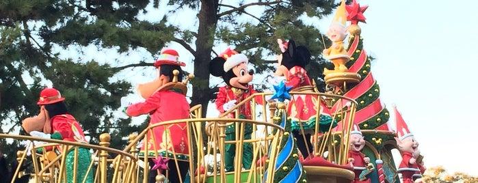 ディズニー・サンタヴィレッジ・パレード is one of Disney.