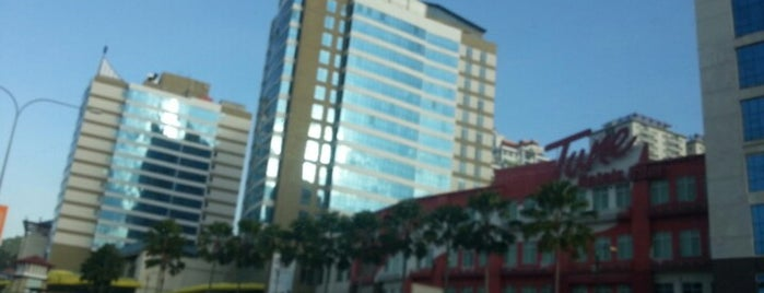 1Borneo Hypermall is one of Kota kinabalu.