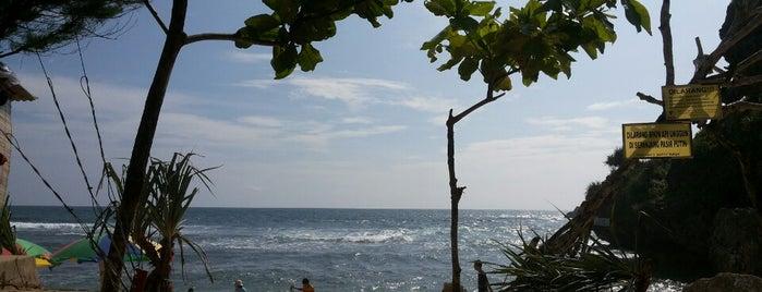 Pantai Sundak is one of Wisata Jateng DIY.