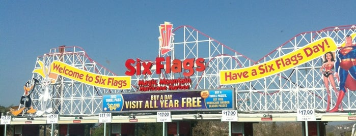 Six Flags Sign is one of California 2014.