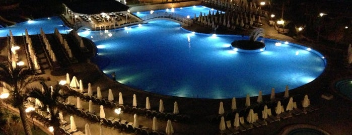 Acapulco Resort Convention SPA Casino is one of Girne.