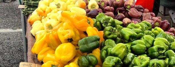 Santa Monica Farmers Market is one of LOVING LA!!.