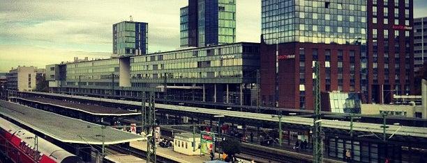 Freiburg (Breisgau) Hauptbahnhof is one of Ausgewählte Bahnhöfe.