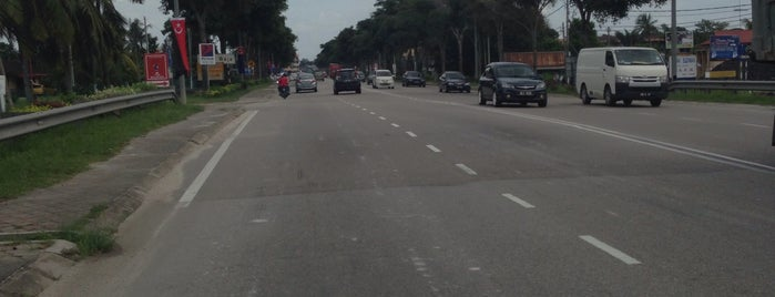 Jalan Batu Pahat Kluang - Parit Raja is one of MyEG Services Berhad.