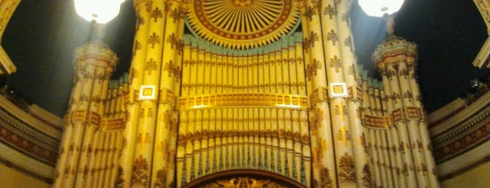 Leeds Town Hall is one of uk.