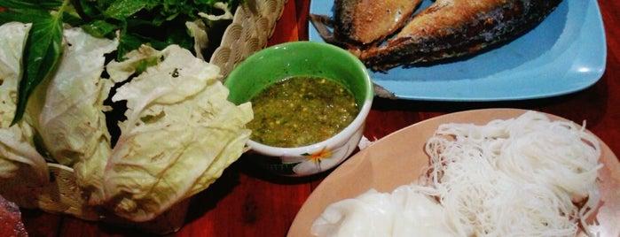 นัสรีน เมี่ยงปลาเผา is one of ร้านอาหารมุสลิม.