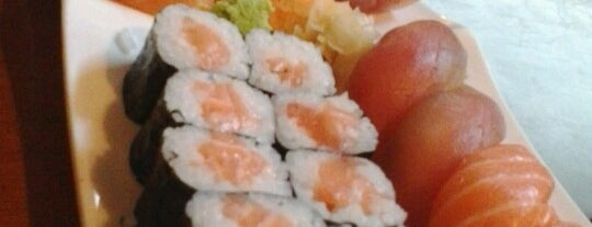 Light Sushi is one of Japonês.