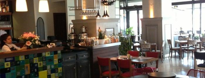 Kirpi Cafe & Restaurant is one of Favoriler.