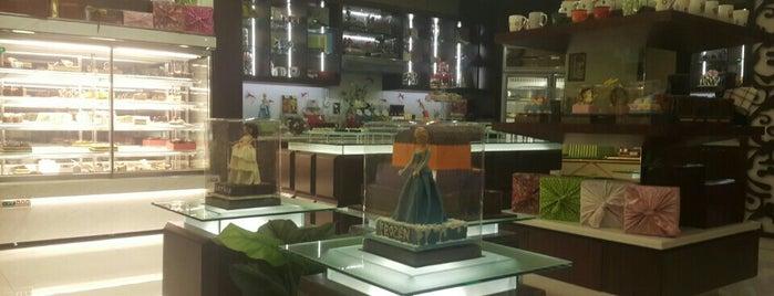 Dapur cokelat is one of Makassar.