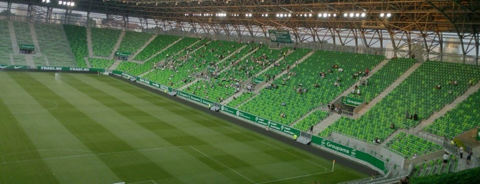 Groupama Aréna is one of Stadionok.