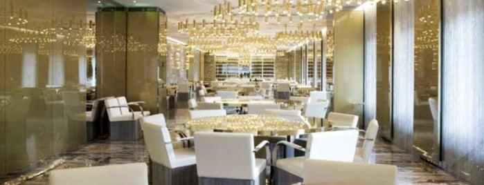 Dolce & Gabbana Gold Restaurant is one of Mi.