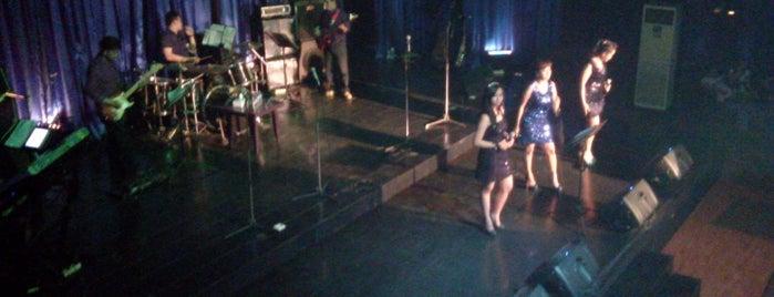 LCC Night Club & Karaoke is one of Surabaya Nightclub.