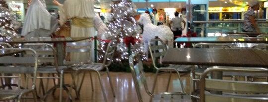 Center Um Shopping is one of Compras.