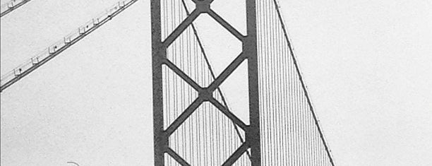 Ambassador Bridge is one of Diary of the Open Road Checkpoints.